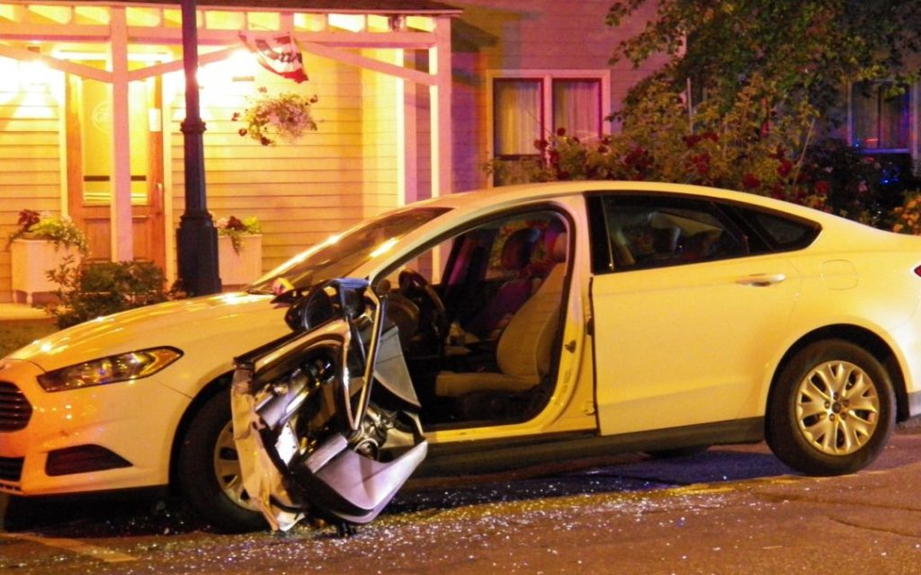 zadośćuczynienie za wypadek, rozbite auto