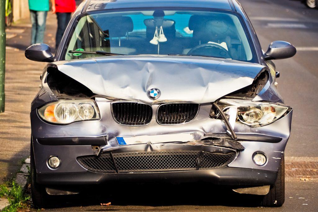 rozbite auto BMW